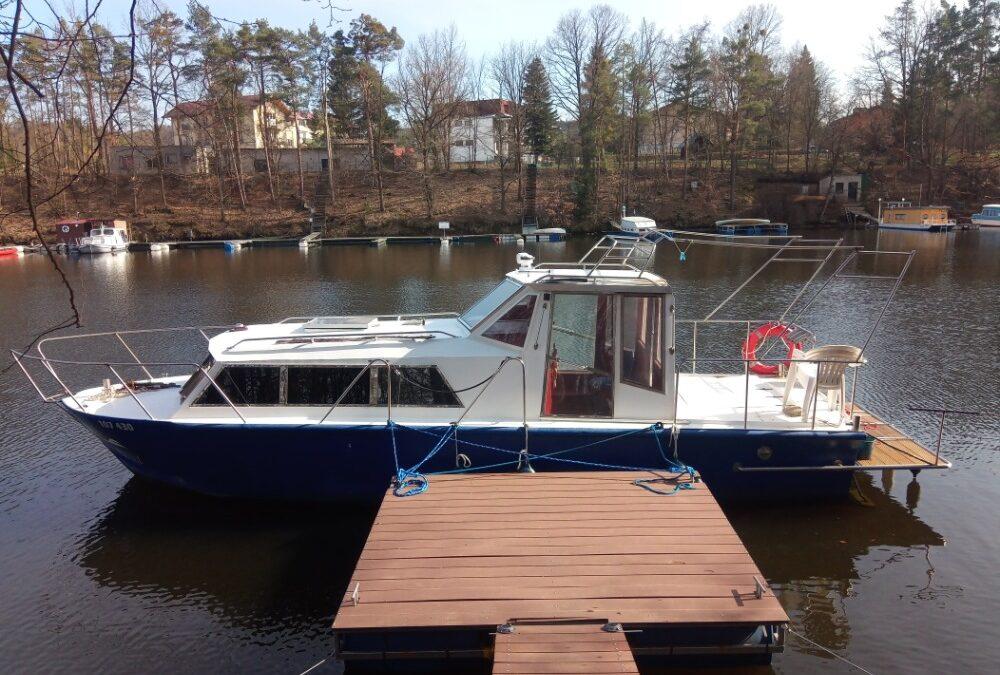 Kajutová loď 9 metrů diesel
